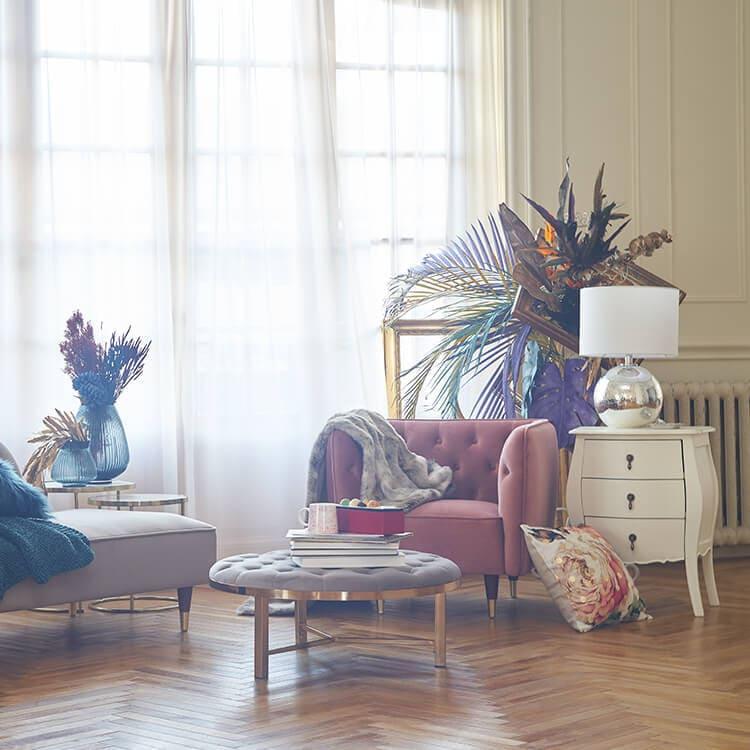 LOWYAのエレガント家具